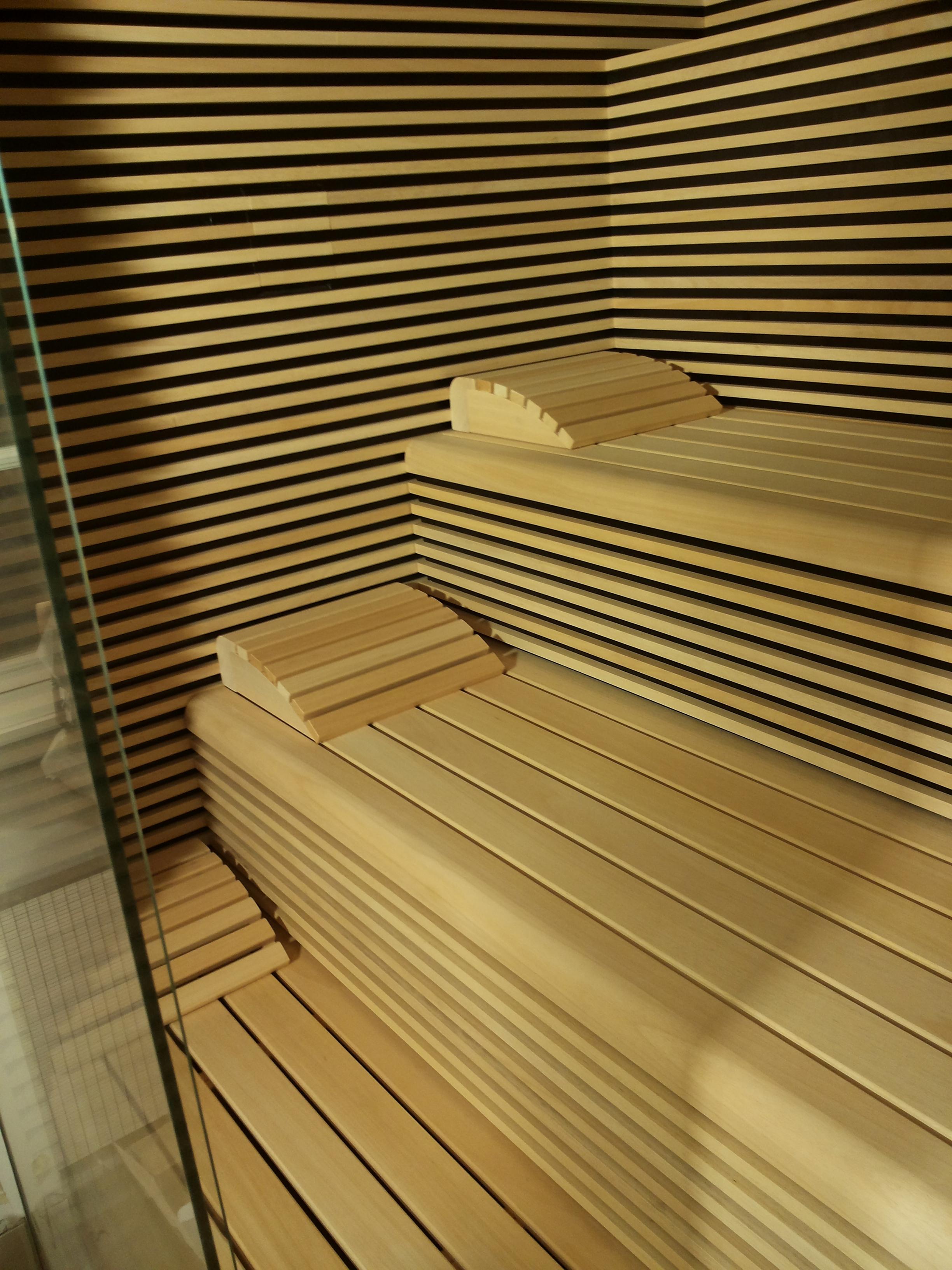 eiken_bijgebouw_met_sauna5 - Eikenhouten bijgebouw met carport. Ingericht met luxe wellness/relaxruimte.