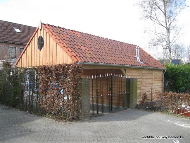 02-IMG_2760 - Stijlvolle eikenhouten tuinkamer met overkapping geplaatst in Sluiskil.