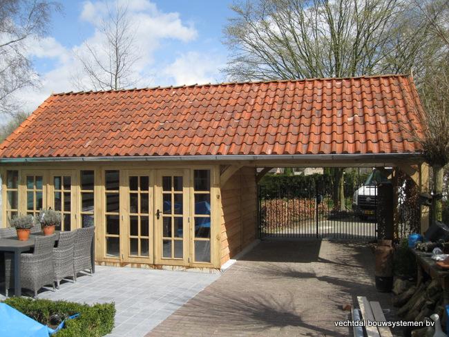 06-IMG_2764 - Stijlvolle eikenhouten tuinkamer met overkapping geplaatst in Sluiskil.