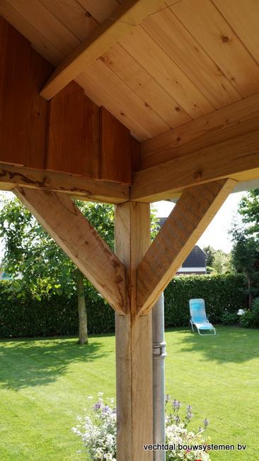 houten_tuinhuis_(12) - Landelijke houten tuinhuis met veranda opgeleverd in Markelo.