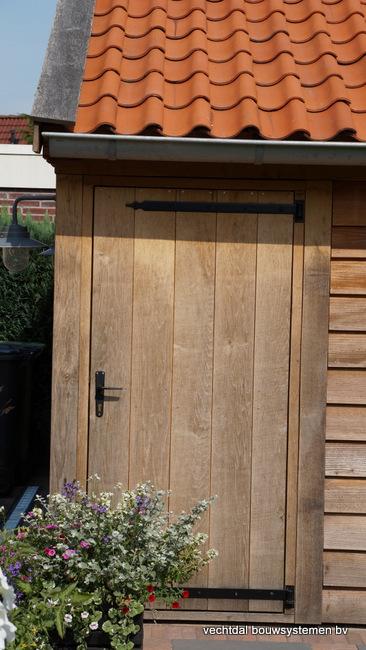 houten_tuinhuis_(5) - Landelijke houten tuinhuis met veranda opgeleverd in Markelo.