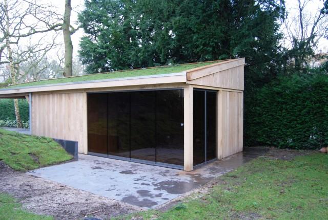 eikenhoutenbijgebouw_met_wellness_(7) - Eikenhouten bijgebouw met carport. Ingericht met luxe wellness/relaxruimte.