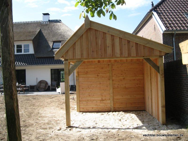 houten_kapschuur_met_overkapping_(3) - Stijlvolle houten kapschuur met overkapping opgeleverd in Wijchen.