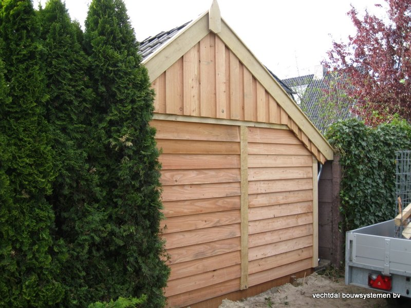 42-houten_kapschuur_veranda_(13) - Authentiek houten kapschuur met authentieke detaillering.