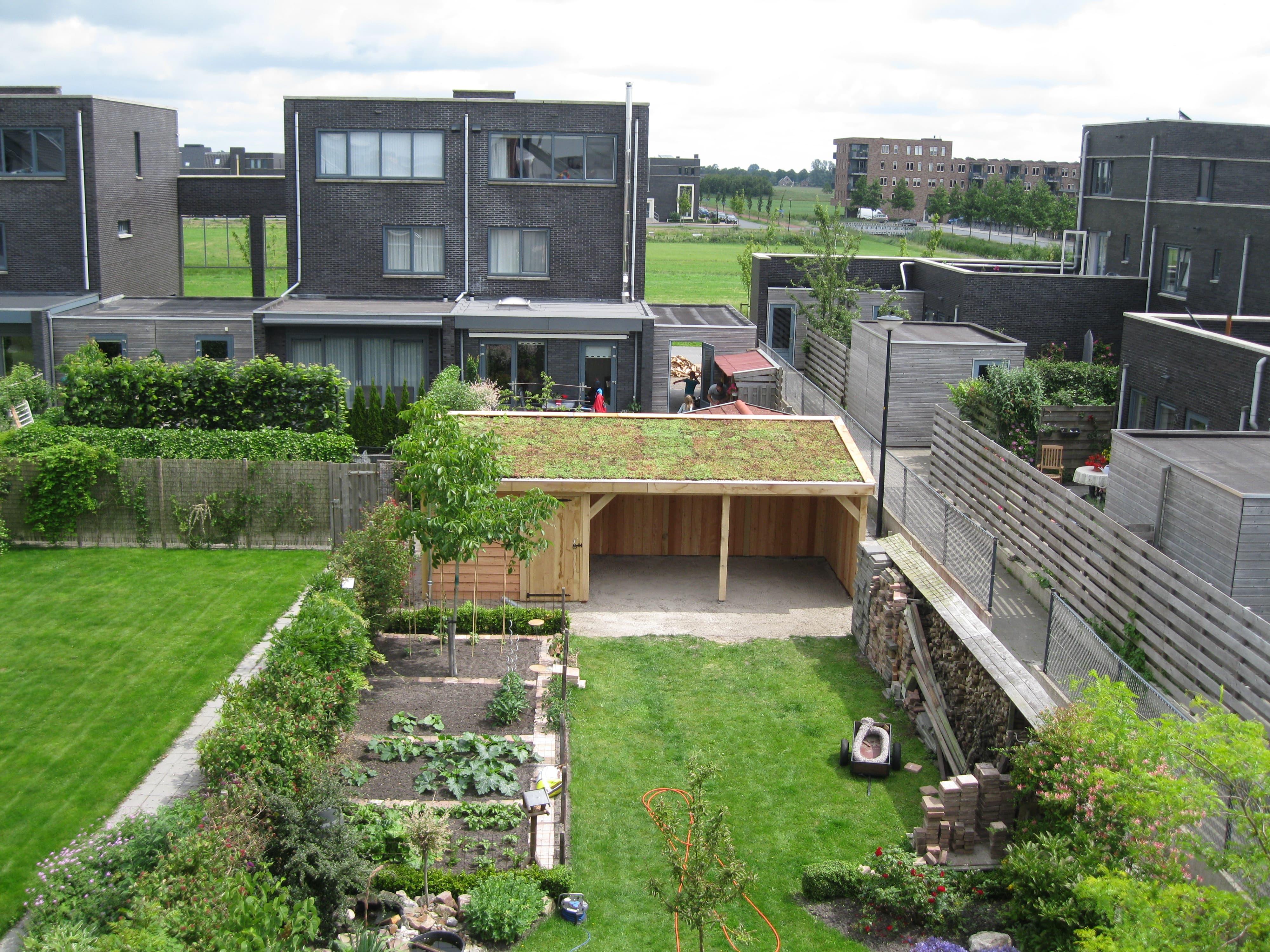 Houten-tuinhuis-met-tuinkamer-groendak-1-min - tuinhuis met veranda 'groendak'