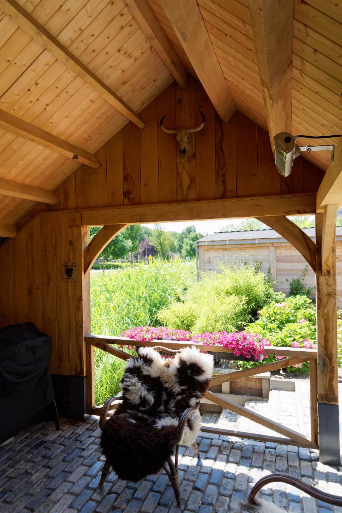eikenhouten-kapschuur-met-tuinkamer - Kapschuur met tuinkamer