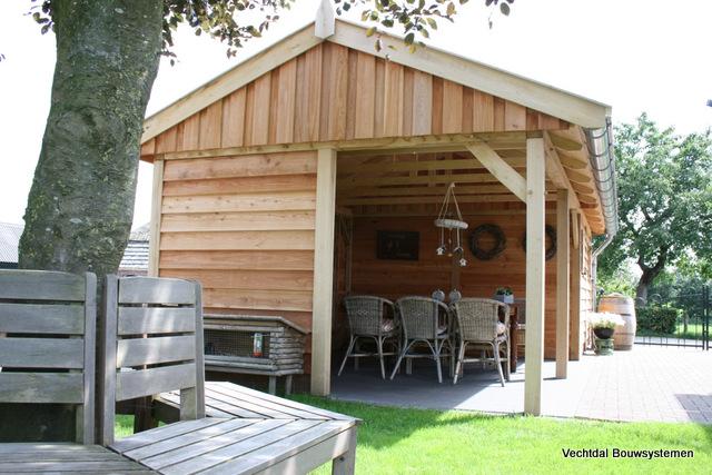 Houten-tuinhuis-met-veranda-3 - Tuinhuis met veranda base