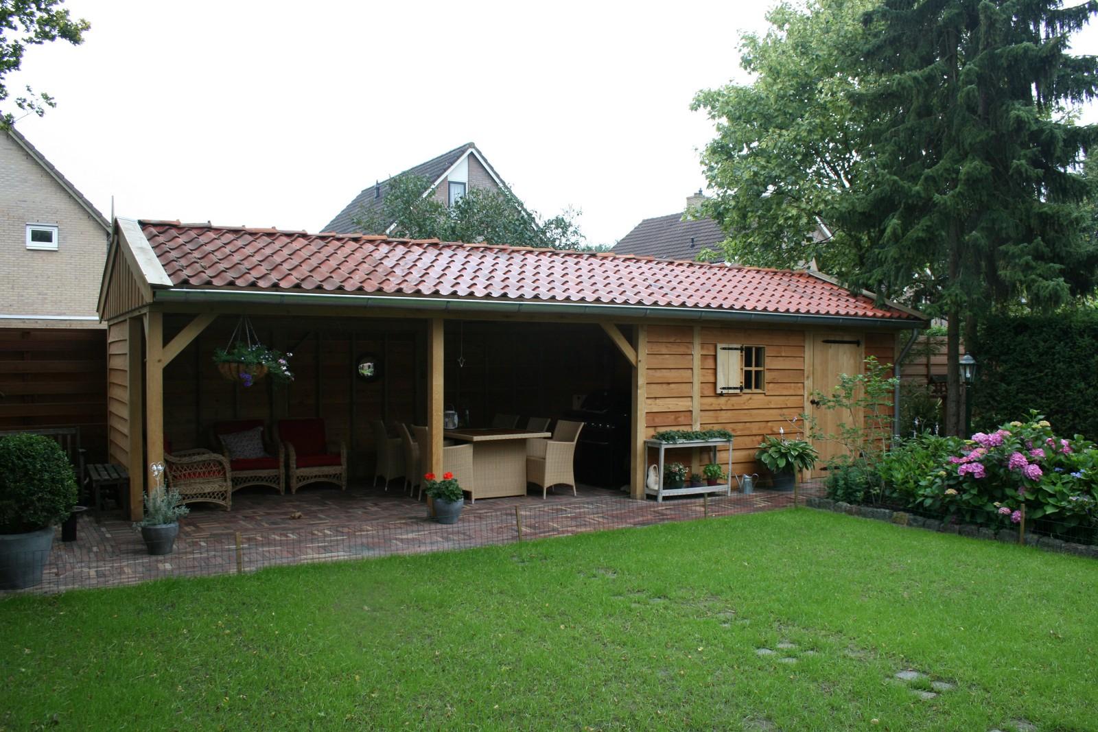 Houten-tuinhuis-met-veranda-1 - tuinhuis met veranda
