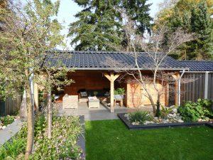 houten-tuinhuis-met-veranda-1-min-300x225 - Onze producten