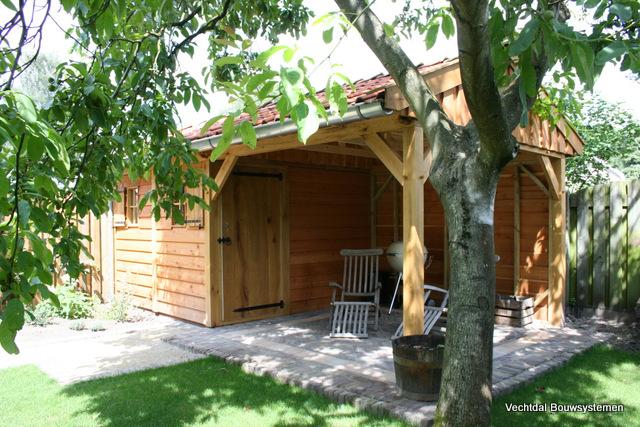 houten-tuinhuis-met-veranda - tuinhuis met veranda