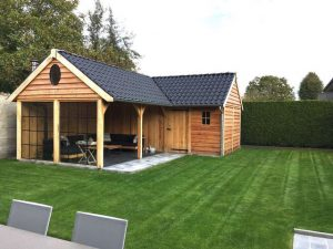 tuinhuis-met-veranda-hoekmodel-300x225 - Met een houten tuinkamer kunt u optimaal genieten van het gezonde buitenleven.