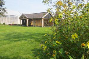 Houten-Poolhouse-4-min-300x200 - Met een houten tuinkamer kunt u optimaal genieten van het gezonde buitenleven.