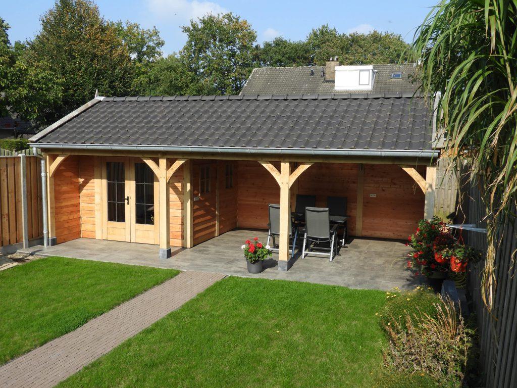 houten-tuinhuis-met-veranda-2-min-1024x768 - Houten tuinhuis met veranda op maat gemaakt.