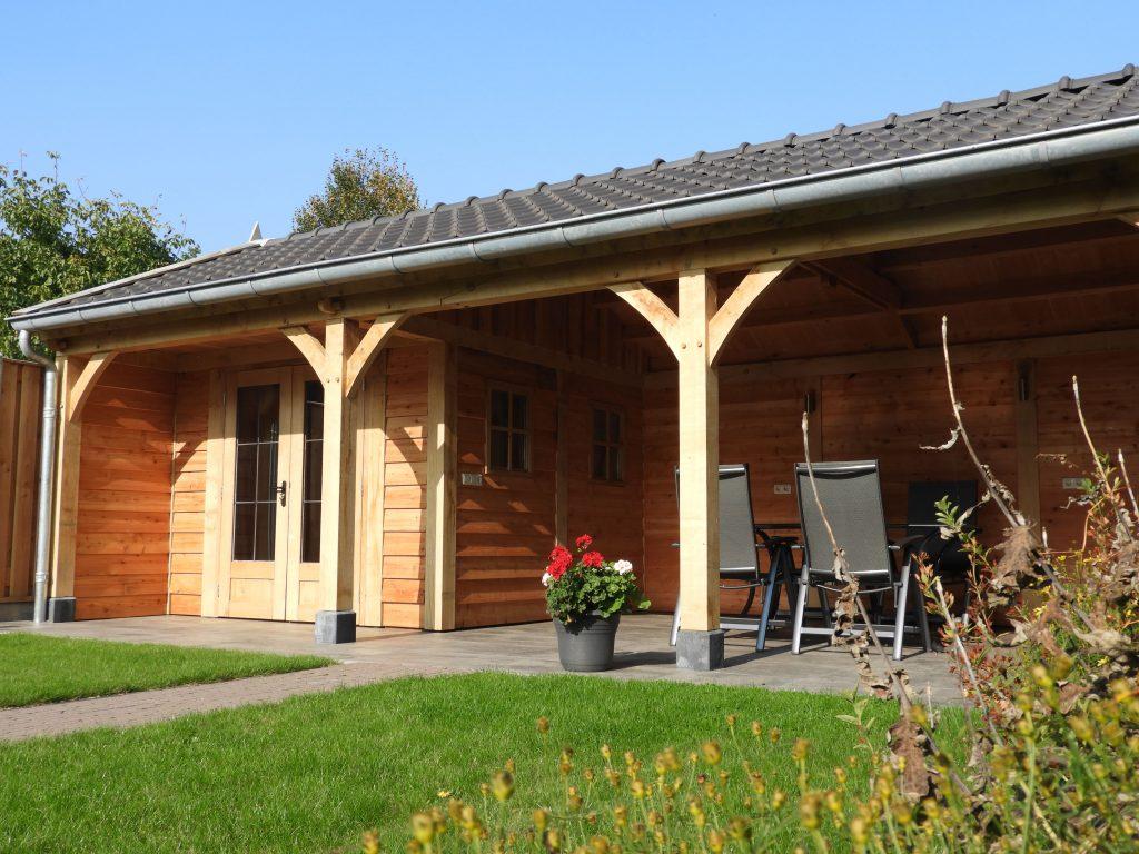 houten-tuinhuis-met-veranda-5-min-1024x768 - Houten tuinhuis met veranda op maat gemaakt.