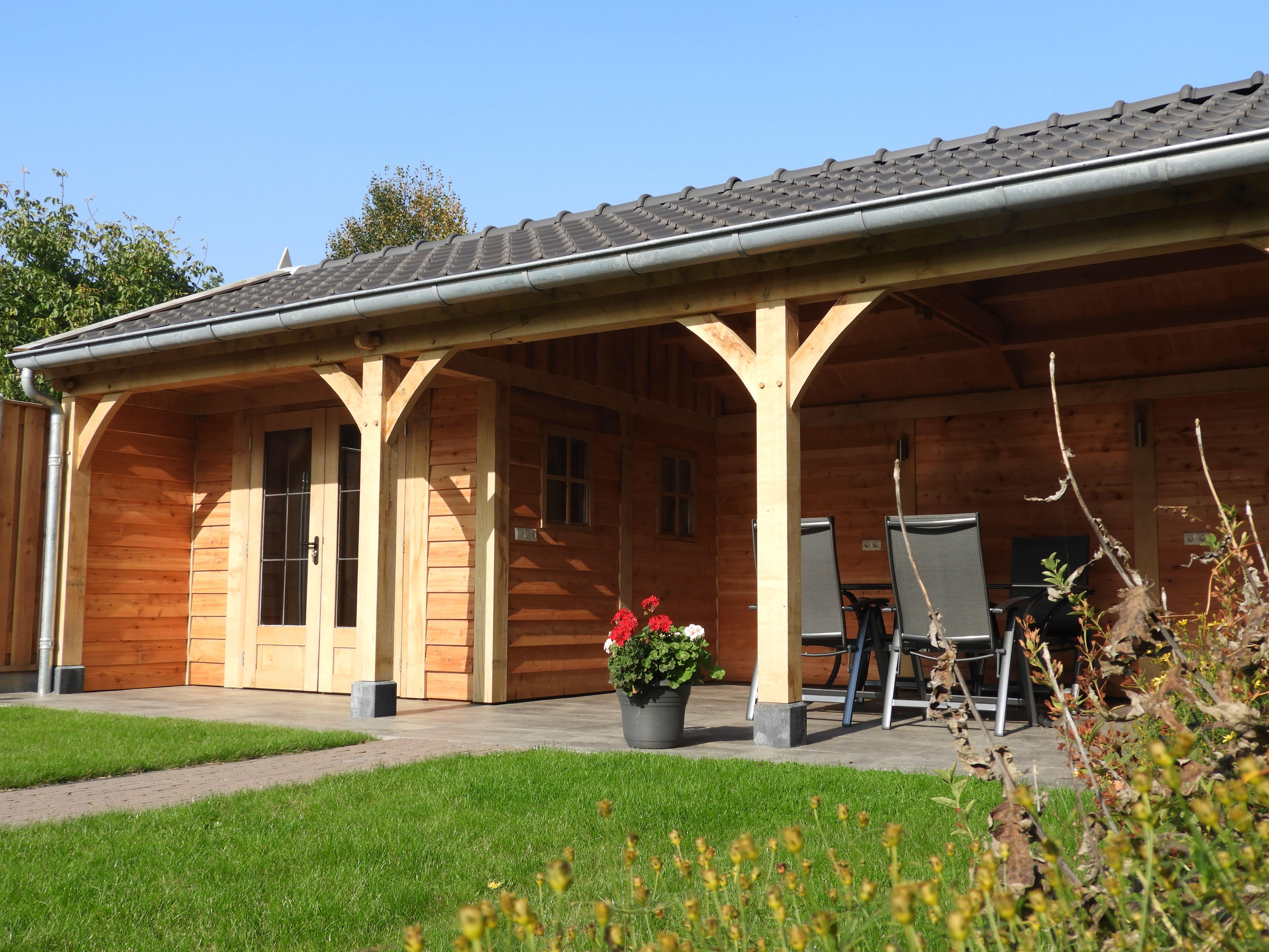 houten-tuinhuis-met-veranda-5-min - project Marienberg