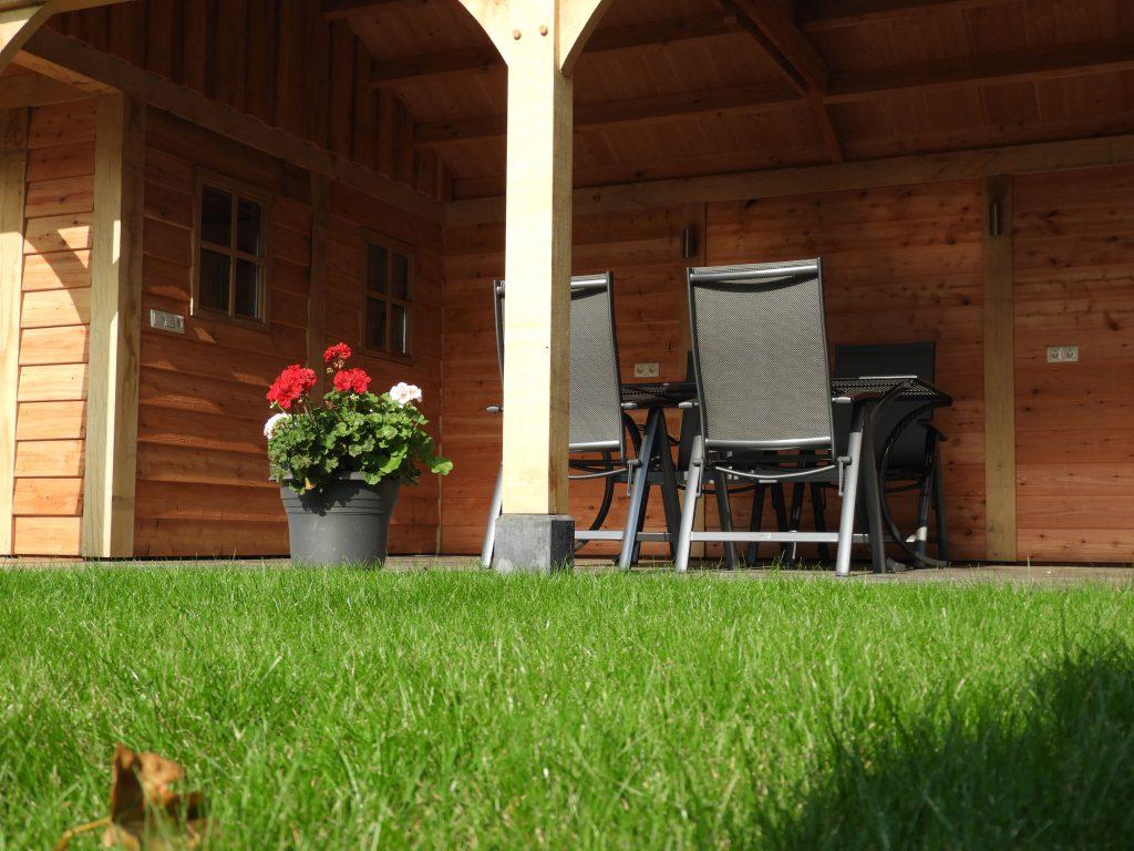 houten-tuinhuis-met-veranda-8-min-1024x768 - Houten tuinhuis met veranda op maat gemaakt.