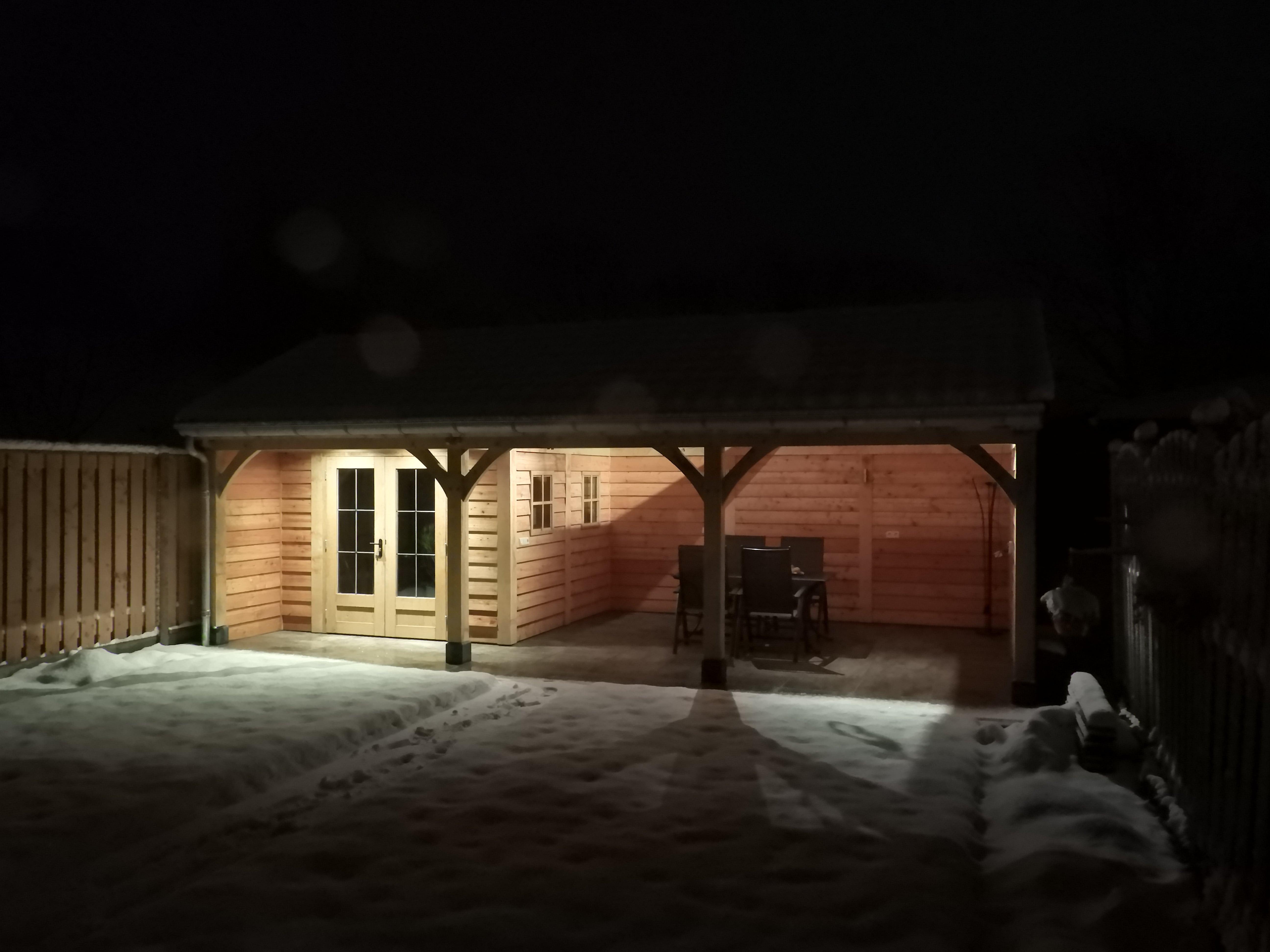 houten-tuinhuis-met-veranda-9-min - Project: Tuinhuis in winterse sfeer