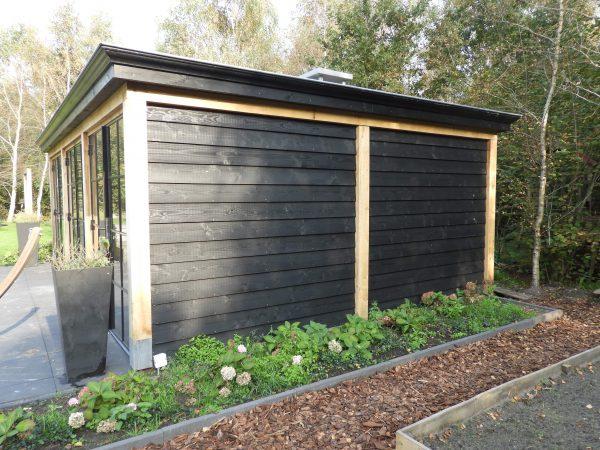 houten-tuinkamer-2-600x450 - Houten tuinkamer met stalen kozijnen.