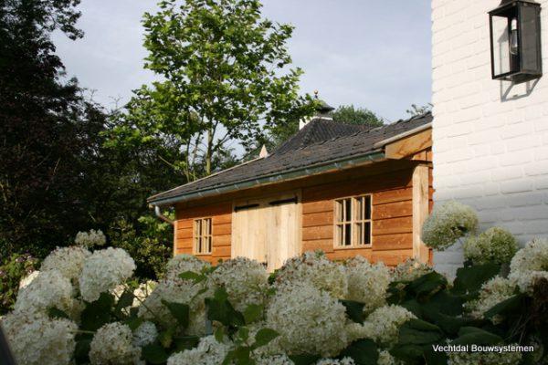 houten-tuinschuur-6-1-600x400 - Stijlvolle tuinschuur met bergruimte