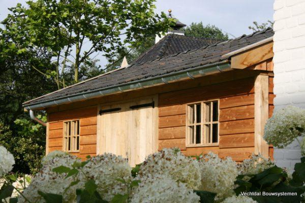 houten-tuinschuur-8-600x400 - Stijlvolle tuinschuur met bergruimte