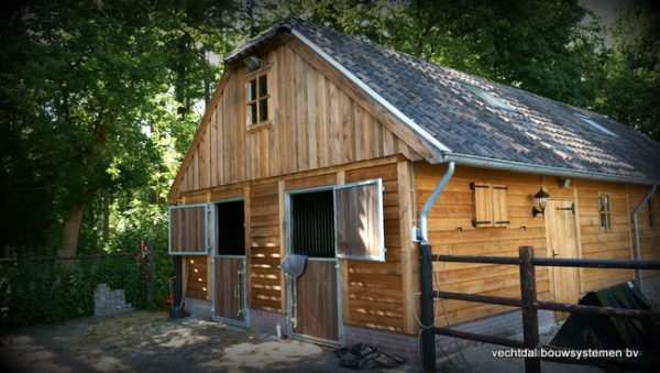 nostalgische-houten-schuur-4-600x339 - Nostalgische houten schuur