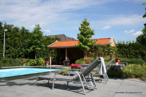 Houten-poolhouse-1-600x400 - Maatwerk Poolhouse