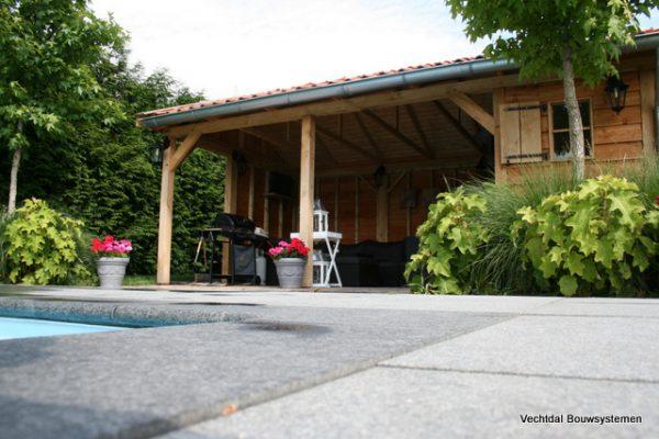 Houten-poolhouse-4-600x400 - Maatwerk Poolhouse