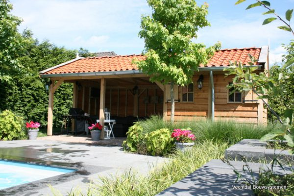 Houten-poolhouse-7-600x400 - Maatwerk Poolhouse