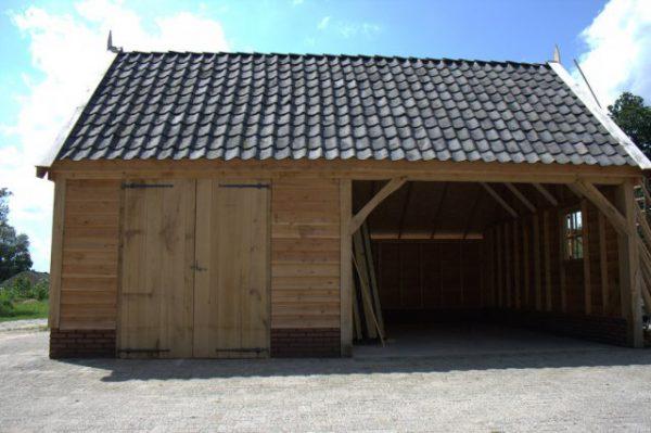 Houten-schuur-4-600x399 - Landelijke houten schuren