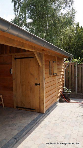 Houten-tuinhuis-met-veranda-Hengelo-5-338x600 - Tuinhuis met veranda.