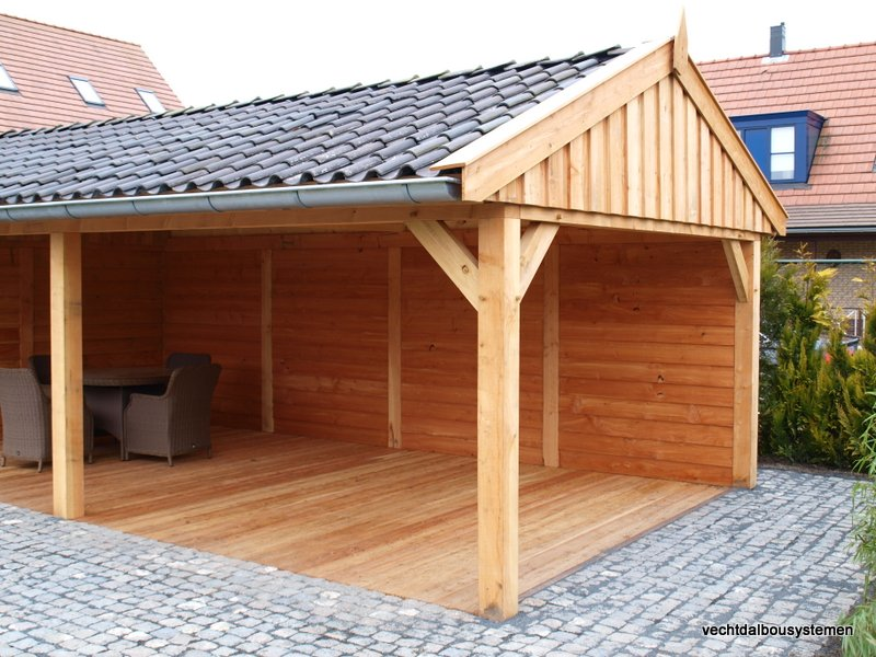 Houten_bijgebouw_met_veranda_2 - Project Rotterdam: Larikshouten tuinhuis met overkapping.