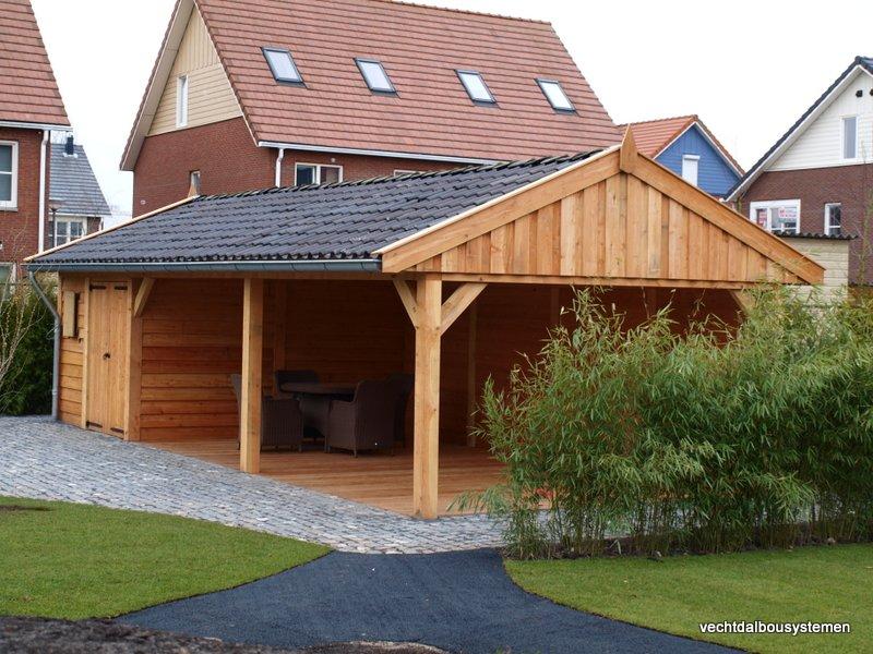 Houten_bijgebouw_met_veranda_3 - Project Rotterdam: Larikshouten tuinhuis met overkapping.