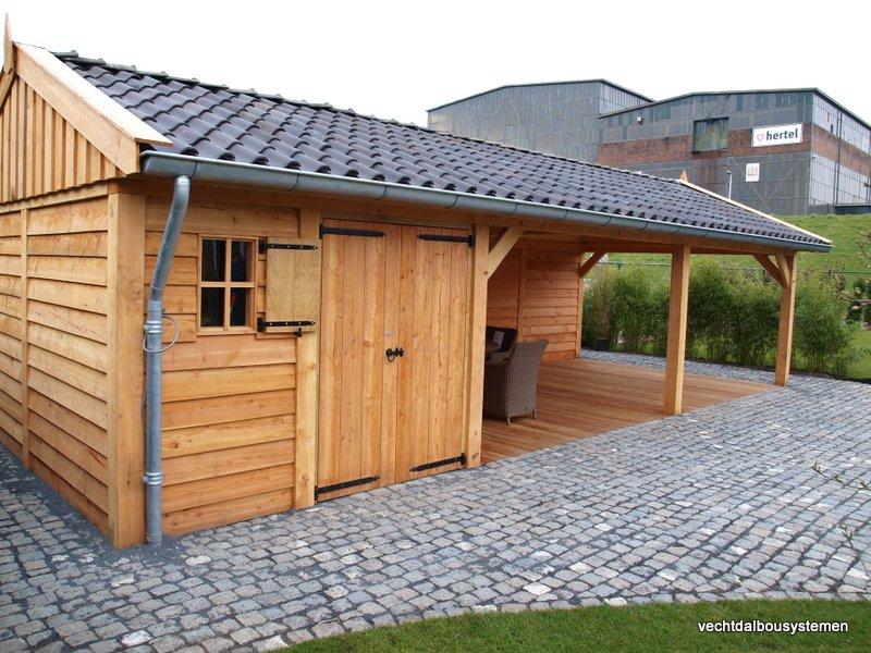 Houten_bijgebouw_met_veranda_5 - Project Rotterdam: Larikshouten tuinhuis met overkapping.