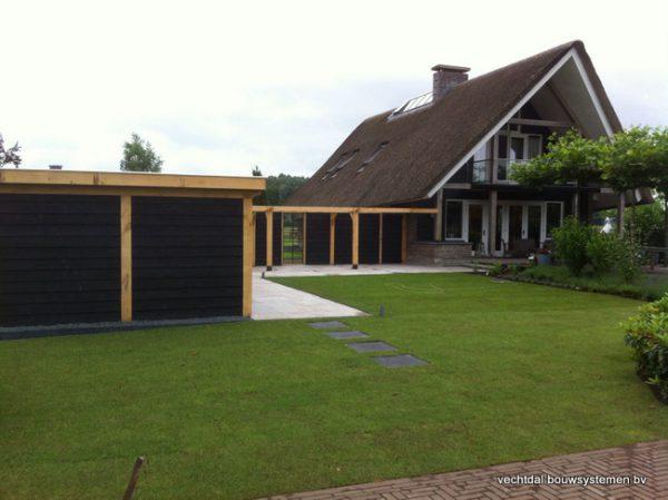 houten-terrasoverkapping-3-600x449 - Houten terrasoverkapping