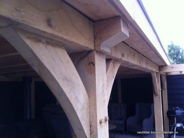 houten-terrasoverkapping-6-600x449 - Houten terrasoverkapping