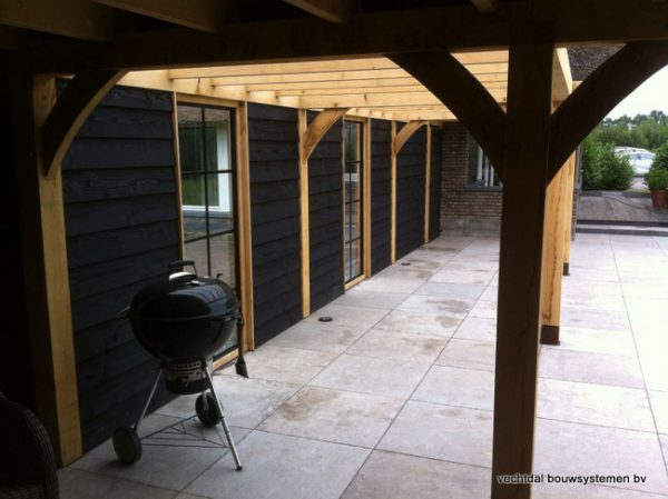 houten-terrasoverkapping-9-600x449 - Houten terrasoverkapping