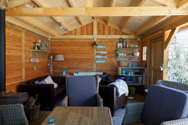 tuin-overkapping-4-600x400 - Stijlvol buitenkamer met overkapping