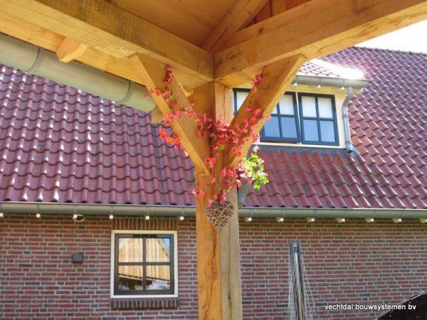 houten-kapschuur-met-overkapping-1-600x450 - Eikenhouten schuur met overkapping