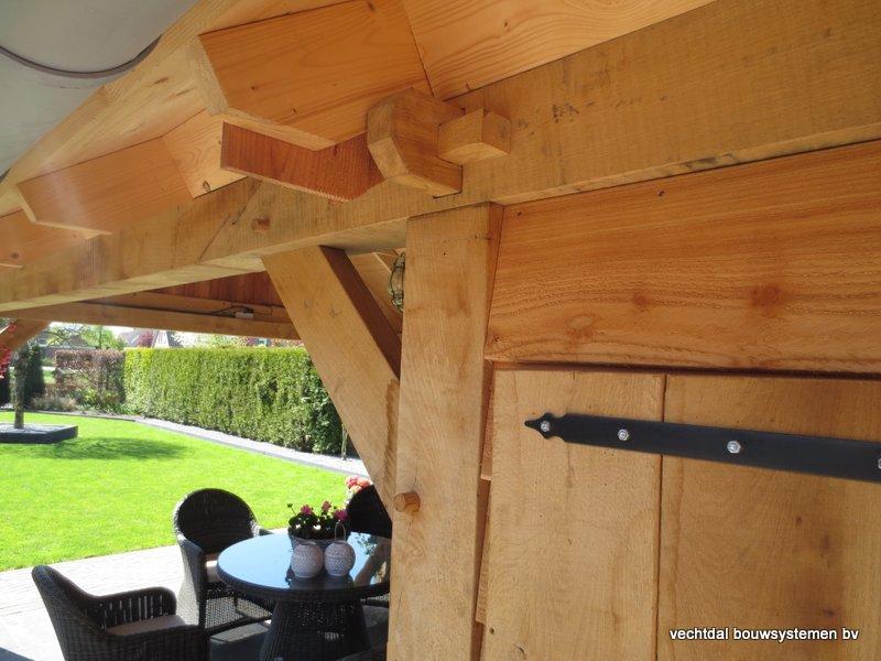 houten-kapschuur-met-overkapping-13 - Project Den Ham: eiken Kapschuur met overkapping