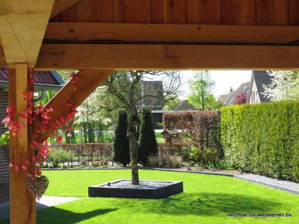 houten-kapschuur-met-overkapping-16-600x450 - Eikenhouten schuur met overkapping