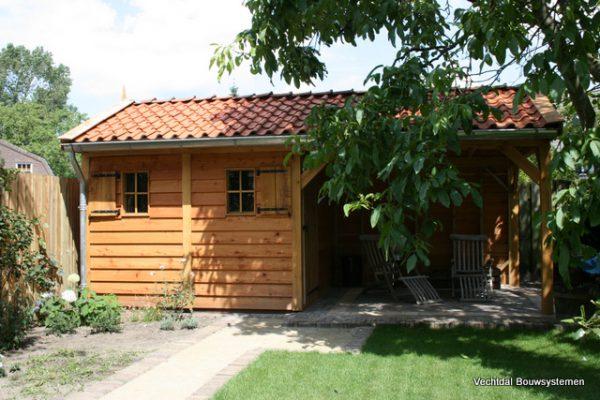 houten-tuinhuis-2-600x400 - Tuinhuis met veranda deluxe
