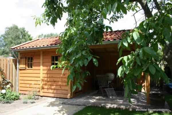 houten-tuinhuis-3-600x400 - Tuinhuis met veranda deluxe