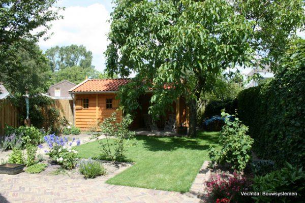 houten-tuinhuis-6-600x400 - Tuinhuis met veranda deluxe