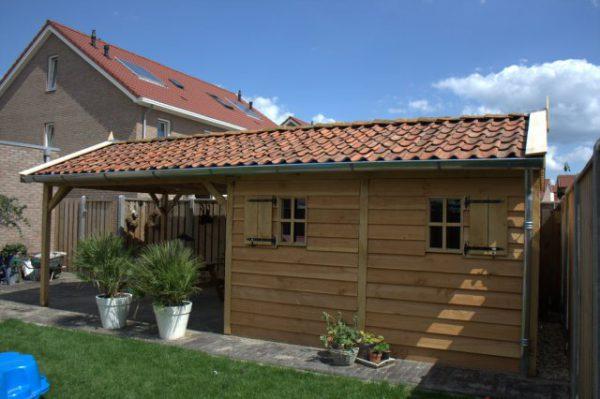 houten-tuinhuis-met-overkapping-2-600x399 - Houten tuinhuis met overkapping.