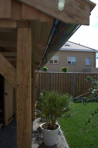 houten-tuinhuis-met-overkapping-5 - Houten tuinhuis met overkapping.