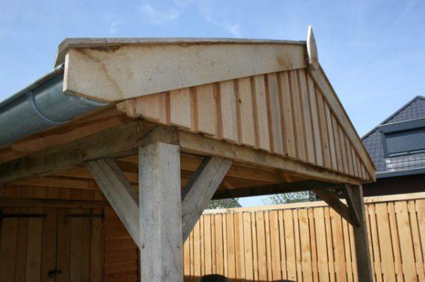 Luxe-houten-tuinhuis-met-overkapping-3-600x399 - Luxe eikenhouten tuinhuis met overkapping