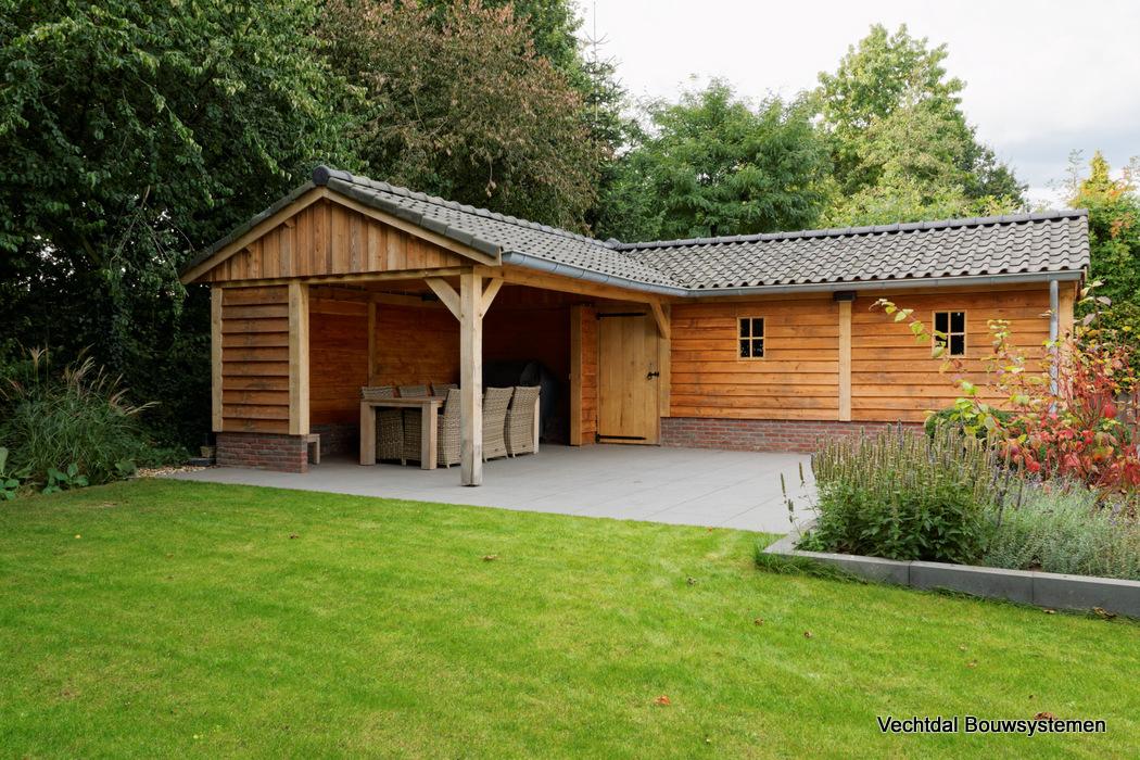 houten-schuur-met-overkapping-1 - Project Groesbeek: houten tuinhuis met overkapping Hoekmodel