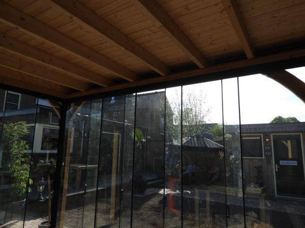 houten-tuinkamer-met-glazen-schuifwanden-5-600x450 - Eiken overkapping