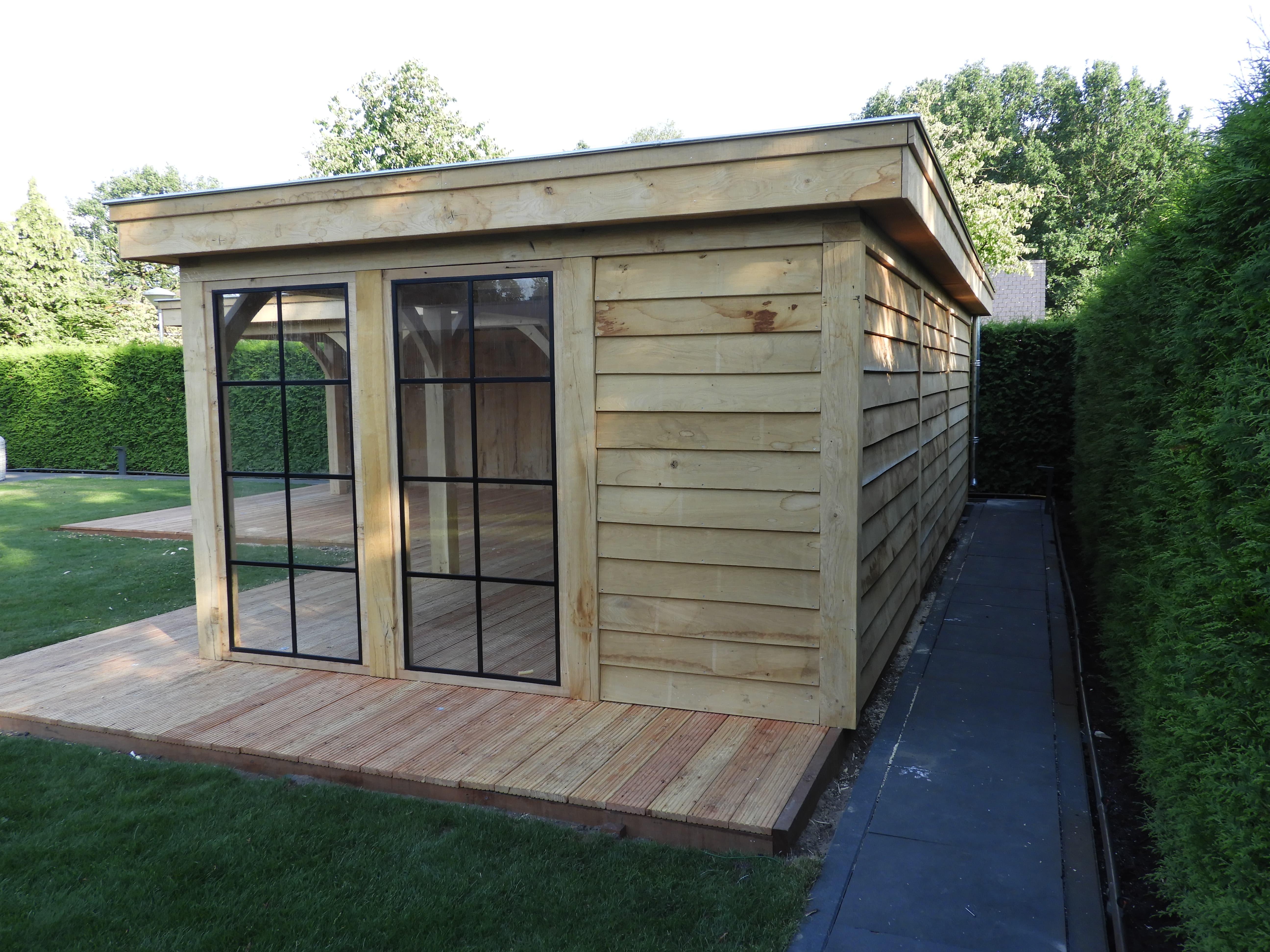 eikenhouten-bijgebouw-met-tuinkamer-en-jacuzzi-overkapping-3 - Project Hardenberg: Eiken tuinkamer met jacuzzi overkapping hoekmodel.