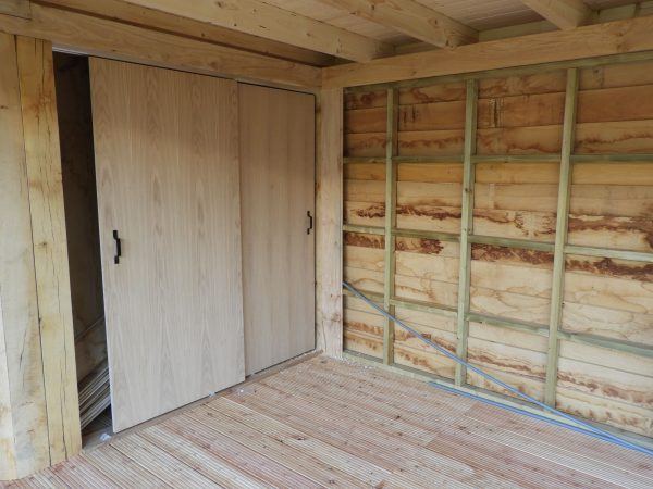 eikenhouten-bijgebouw-met-tuinkamer-en-jacuzzi-overkapping-8-600x450 - Bijgebouw met tuinkamer en jacuzzi overkapping.